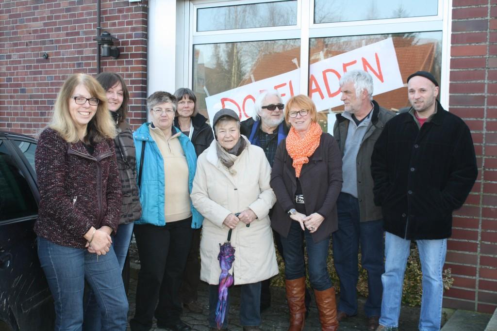 Der Arbeitskreis Dorfladen startet an der Volksbank seinen Ausflug nach Otersen