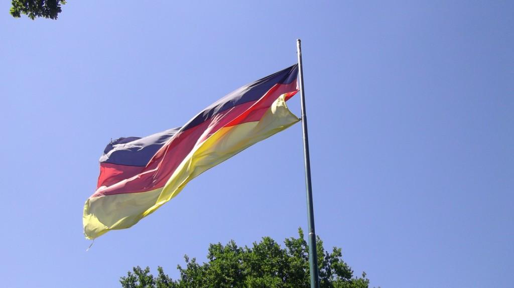 Passend zum hohen Besuch aus Bielefeld. Die gehisste Deutschlandfahne.